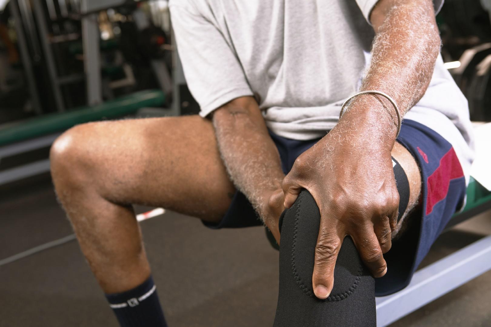 Опасность бодибилдинга: боли в коленях