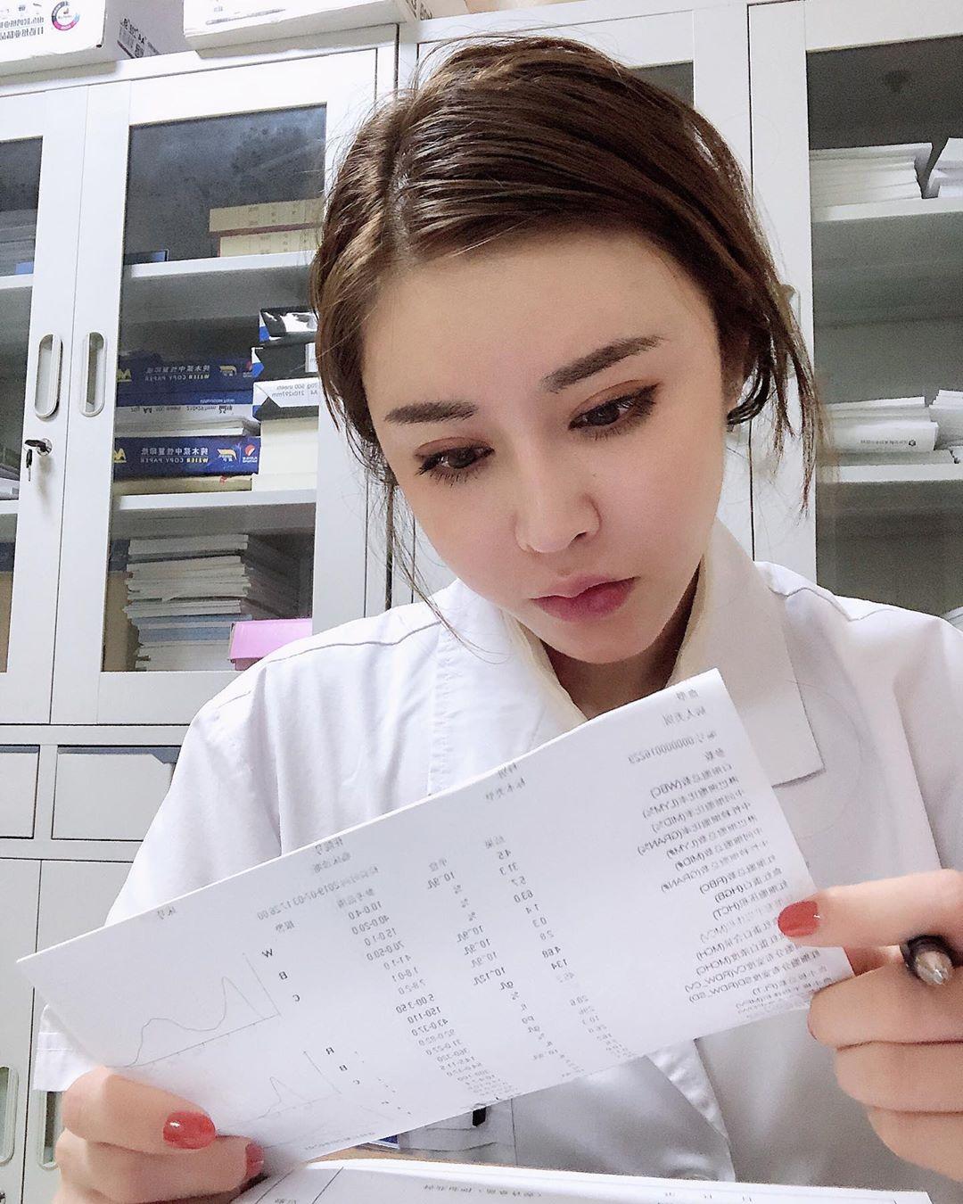 В Китае живет девушка с лицом ангела и телом дьявола
