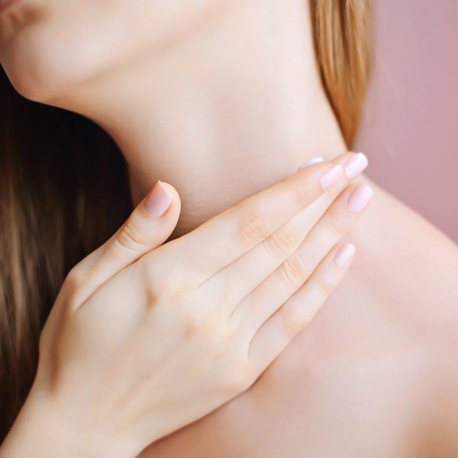 Зона особого внимания: как ухаживать за кожей шеи и декольте