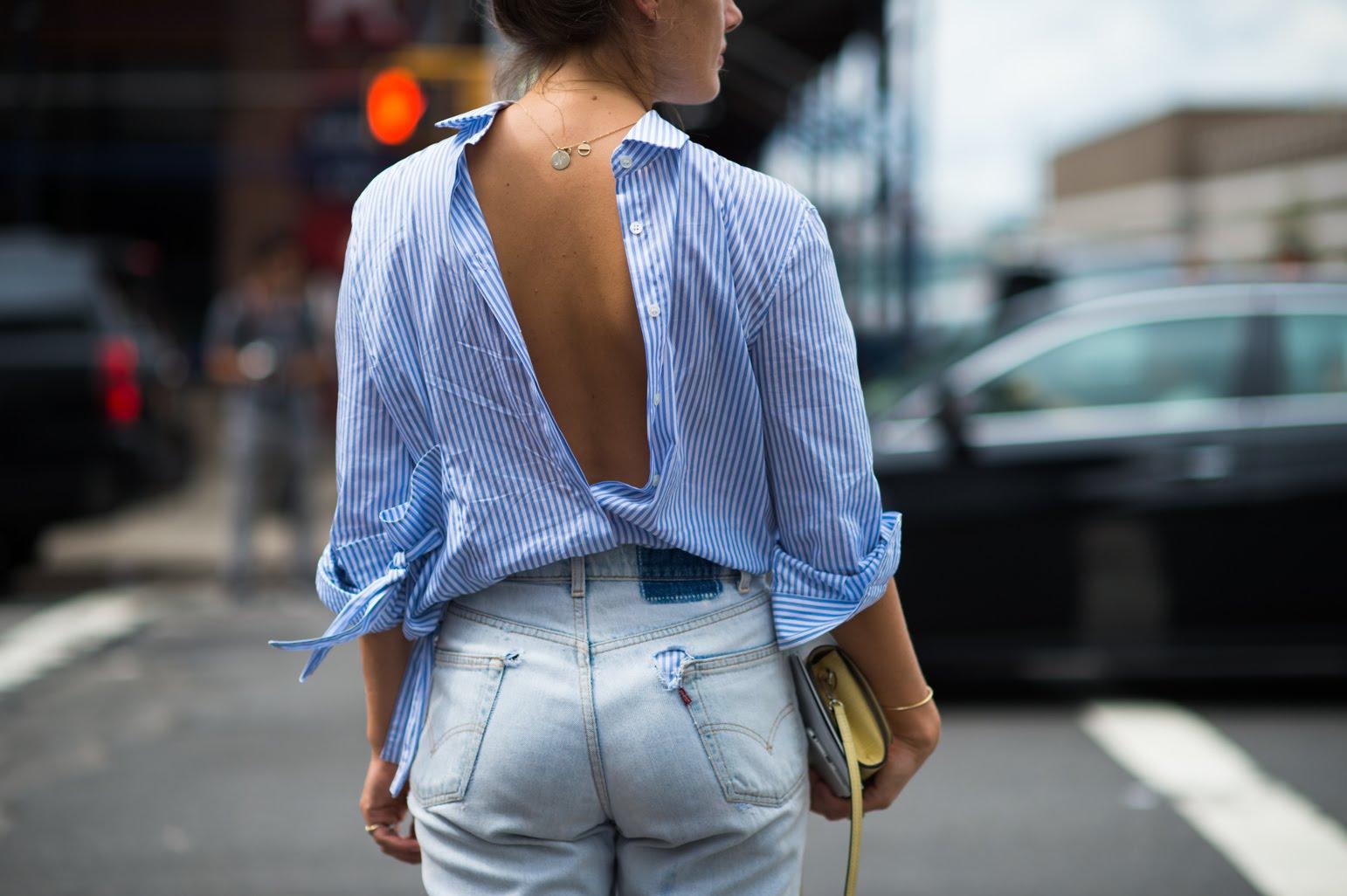 Одеть одежду наизнанку: примета и ее трактовка для разных типов вещей