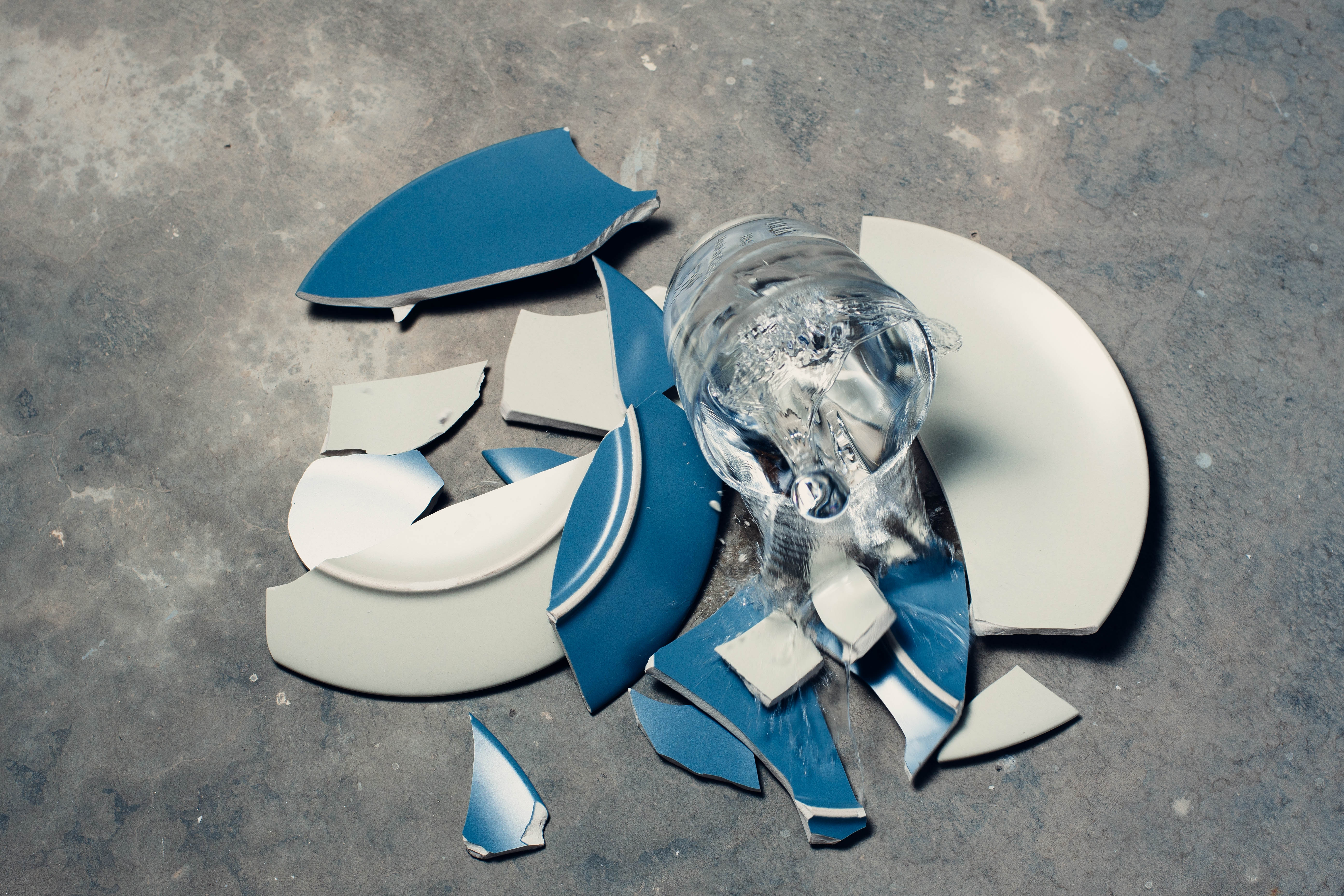 разбитая тарелка к счастью картинки нашей