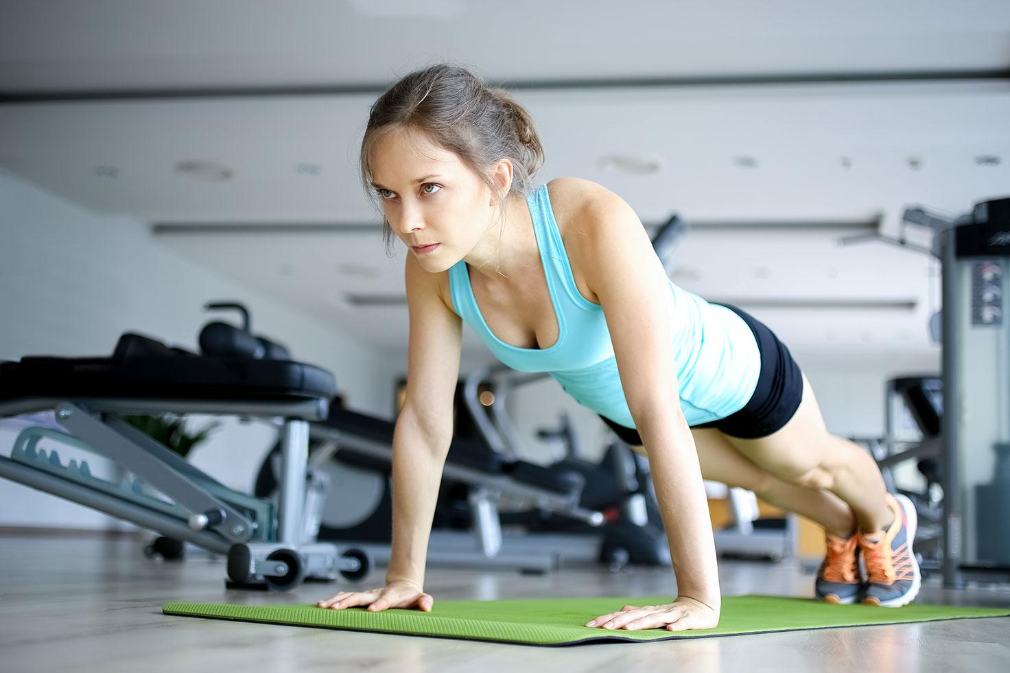 Упражнения для девушек на все группы мышц