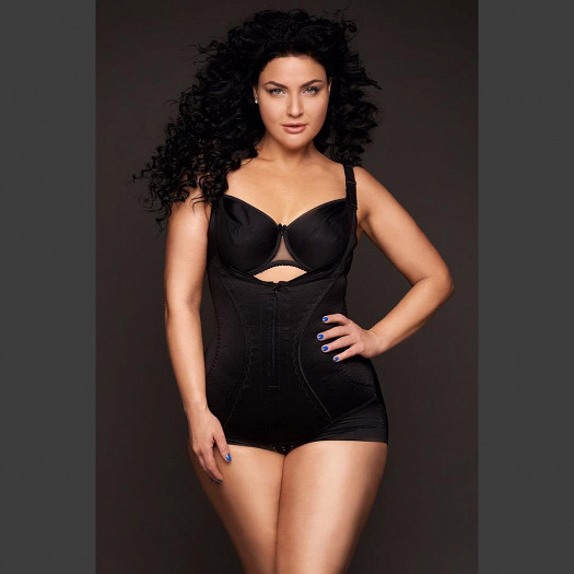Модель plus size Юлия Лаврова о моде на пышные тела