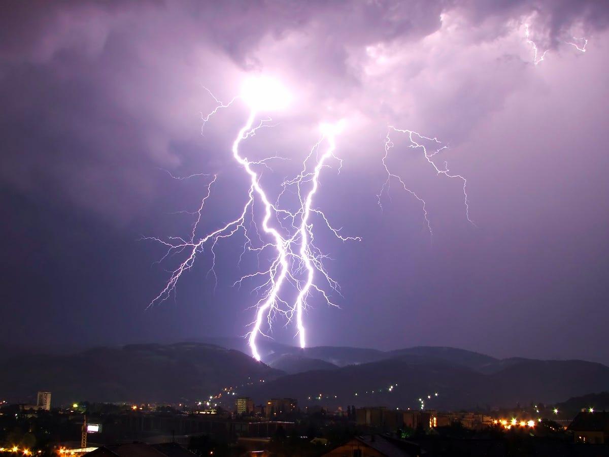 Мистическая история: молния и ее последствия