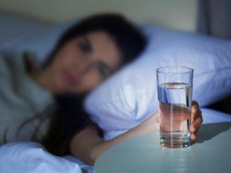 Какие напитки пить на ночь, чтобы вес пошел на убыль?